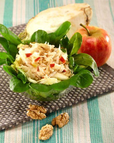 Feldsalat mit Sellerie und Apfel